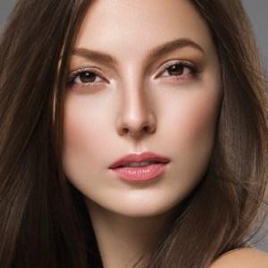 鼻中隔延長術イメージのモニター施術